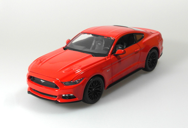 Modelauto S 2015 Ford Mustang Gt