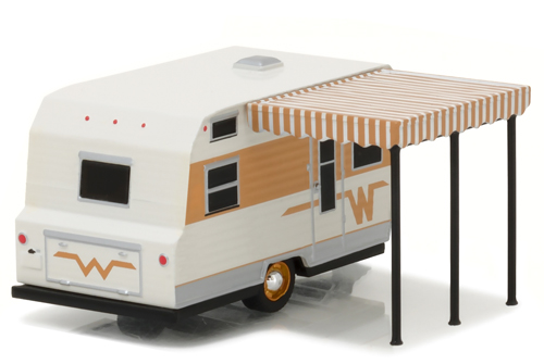 greenlight-gl34010c-1964-winnebago-travel-trailer-216-hitched-home-1-64