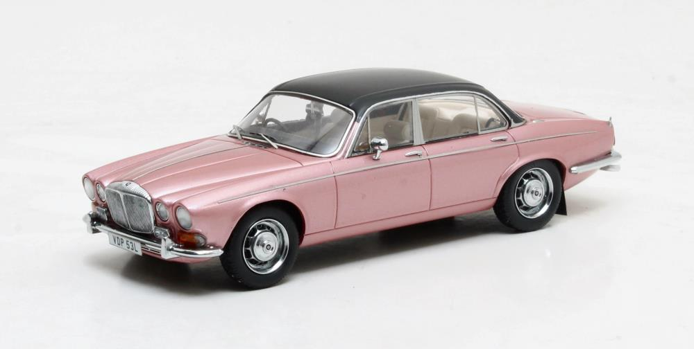 maxtrix-scale-models-1973-daimler-double-six-1-43