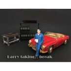 american-diorama-ad-77445-mechanic-larry-1-18