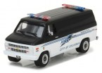 greenlight-gl42810c-1985-chevrolet-g20-police-1-64